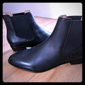 NWT in box Black leather Chelsea boots sz 8 j crew